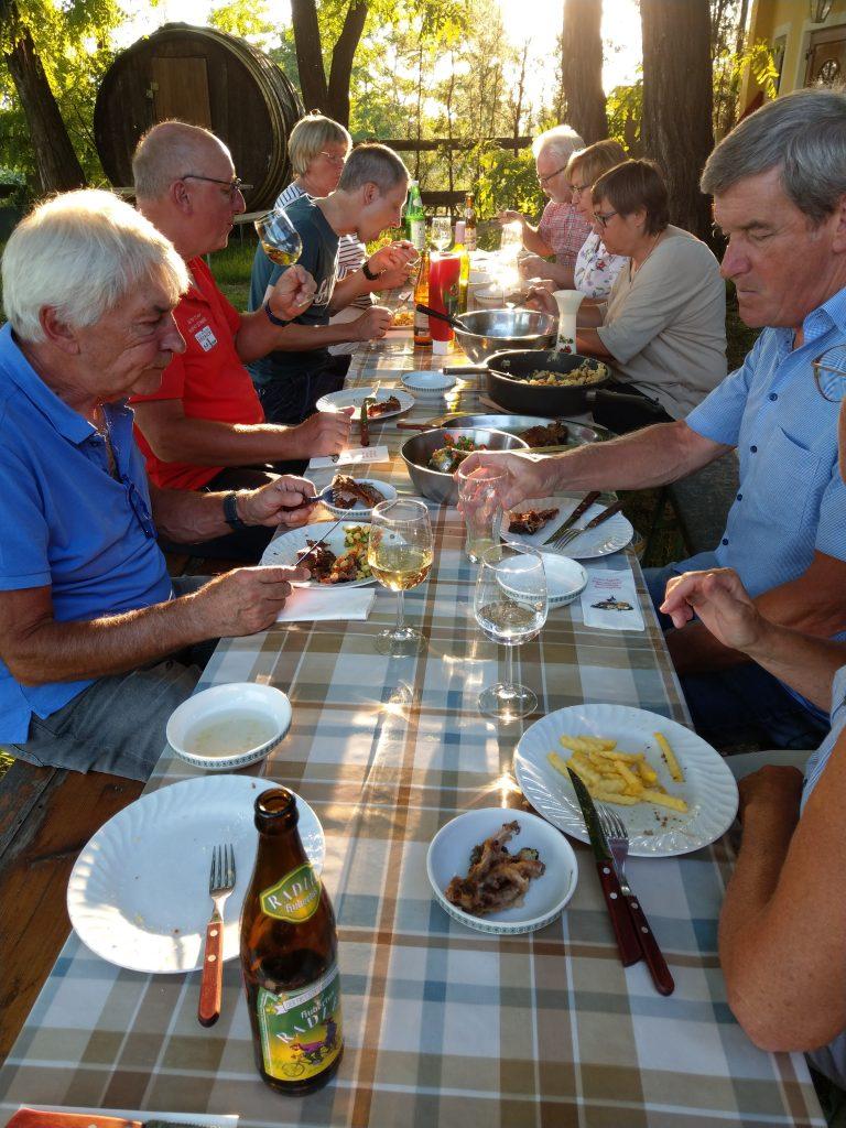 Abendessen im Weingut Kraus